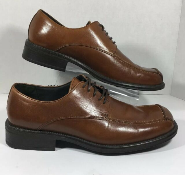 Kenneth Cole Bunch 2 Do Square-toe