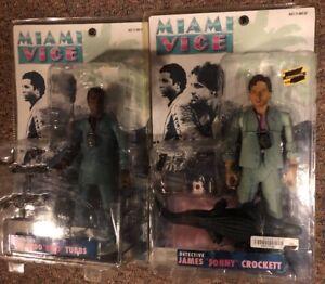Miami Vice - Ricardo Rico Tubbs James Sonny Crockett costumes bleus Mezcot