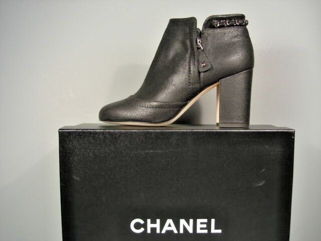 d9593b92431 CHANEL Black Leather Bootie Short Ankle BOOTS Stacked Heel Woven Chain 36