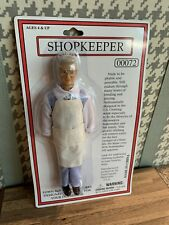 00072 MINIATURE DOLLHOUSE 1:12 SCALE POLYRESIN SHOPKEEPER MAN DOLL