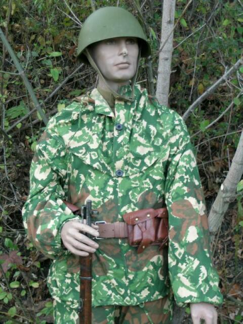 91dd40cc029 Reproduction Soviet WW2 2pc tricolor pattern camo with Brown Ameba overprint