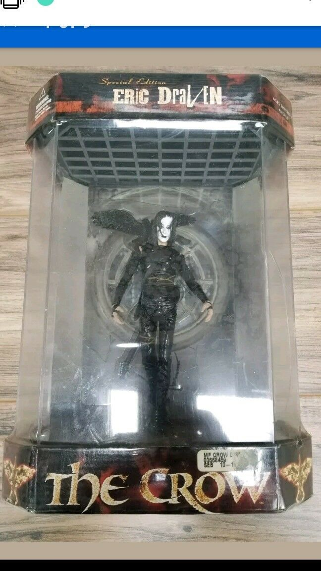 The Crow Special Edition Eric Draven Display Case 12