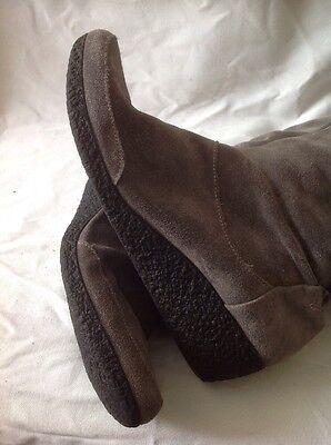 Clarks rodilla alta botas de gamuza Marrón Talla 6