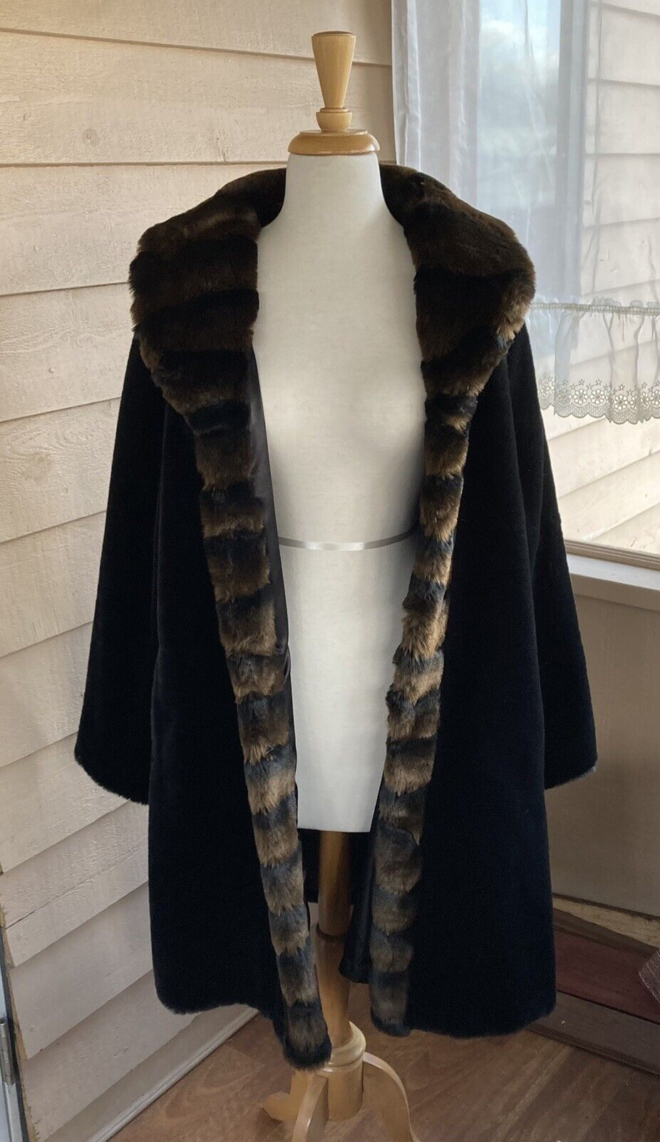 1 Madison Heavy Faux Fur Coat Black Brown Vintage Long Warm Pockets Sz XL Lined