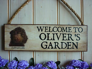 DOG-SIGN-LABRADOODLE-SIGN-PERSONALISED-WELCOME-SIGN-GARDEN-SIGN-OWN-NAME-PLAQUE