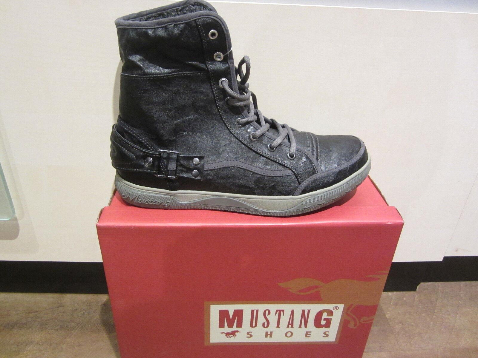 Mustang Stiefel Stiefel Schnürstiefel Winterstiefel NEU schwarz, warm gefüttert  NEU Winterstiefel 40e2ae