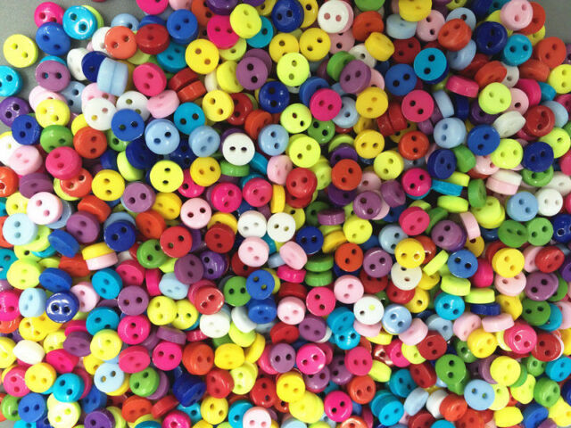 200pcs Mixed Mini Colors Round Shape Resin Buttons lots 2 holes sewing 6mm