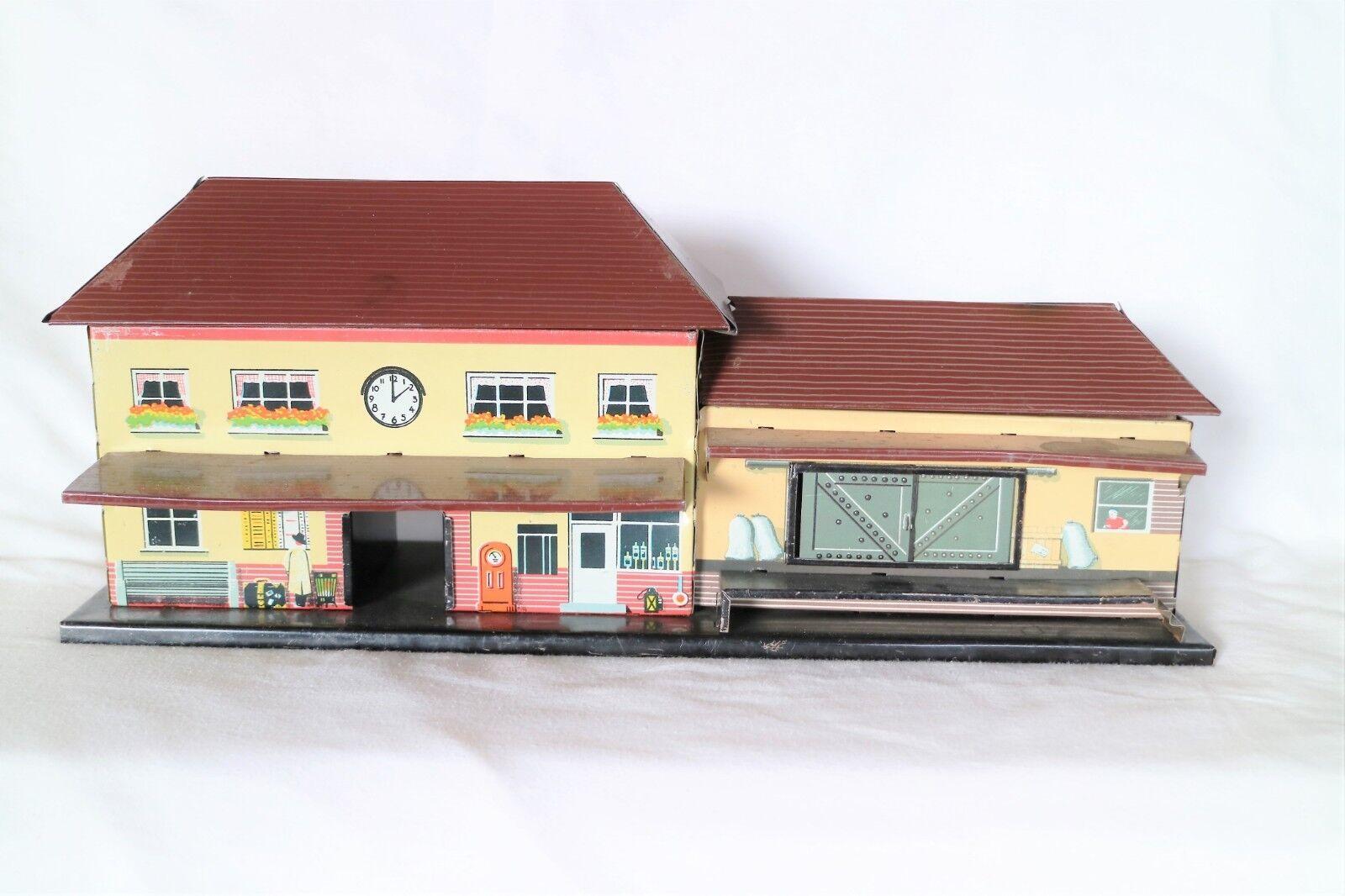 613L  Vintage Bub O Gauge  Station Building with Goods Depot on Platform