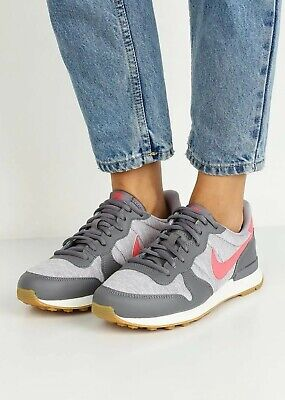 Torpe Encogimiento Jabeth Wilson  Nike Internationalist Women's Trainers UK 6.5 EUR 40.5 Colour Grey / Coral  | eBay