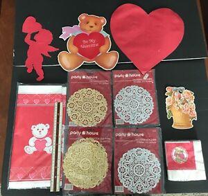 Vintage 1980 S LOT 13 Saint Valentin Décorations fêtes fournitures Coeur Ours Fleur