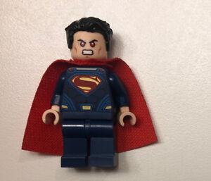 LEGO DC Super Heroes sh219 Superman Minifigure w Red Cape /& Dark Blue Suit
