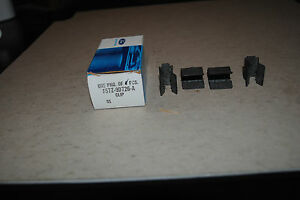 GENUINE-FORD-OEM-BOX-OF-4-CLIPS-F57Z9D726A
