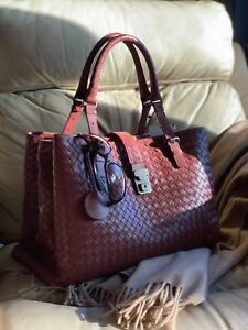 AUTH NWT Bottega Veneta Medium Roma Bag In Russet Intrecciato Calf ... b30736cd064c1