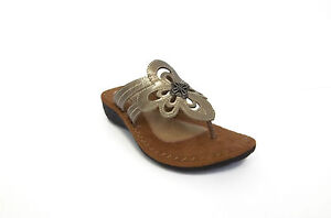 Cobb Hill Womens Flat Gwen Sandal Pewter Leather Cay01pt