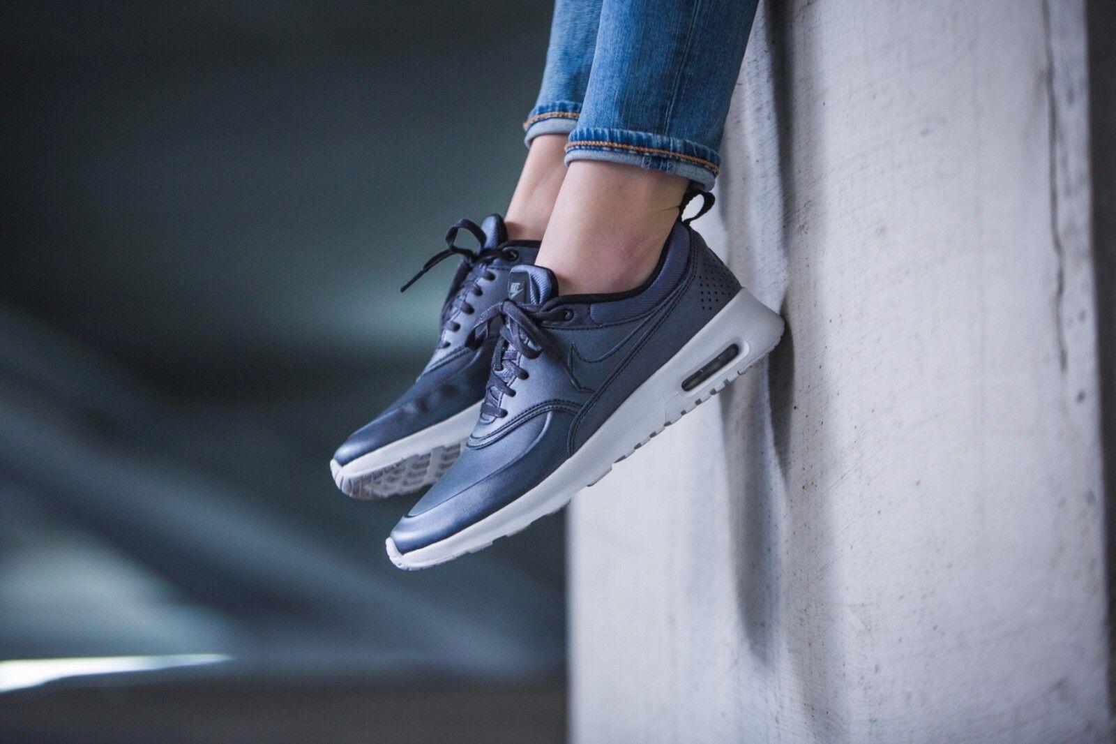 Nike Air Max Thea SE  Wmn Size 7 861674-002 Metallic Hematite & White