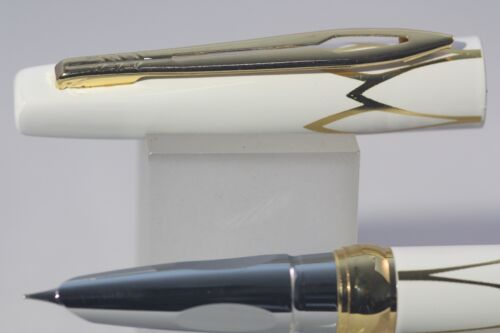 New Luxury Hero No White Lacquer with Gold Inlayed Trim 3019 EF Fountain Pen