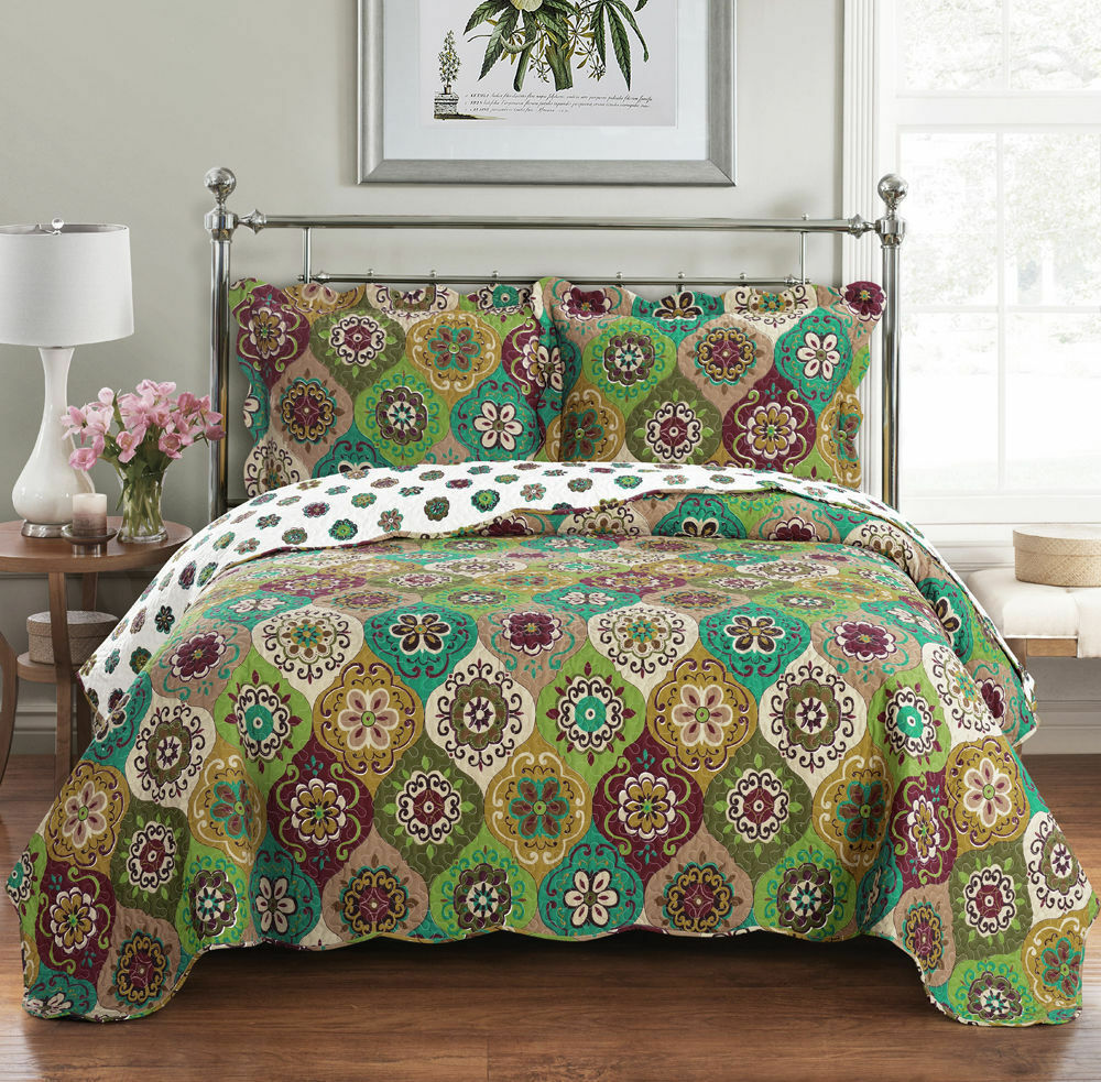 Luxury Bonnie Coverlet set, Wrinkle Free Printed Bedspread Set, Reversible Quilt