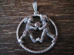 grosser-Art-Deco-Markasit-Anhaenger-Sternzeichen-Zwilling-Horoskop-925er-Silber