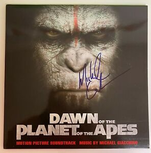 Michael-Giacchino-034-Dawn-of-The-Planet-Of-The-Apes-034-Signed-LP-Album-PSA-DNA