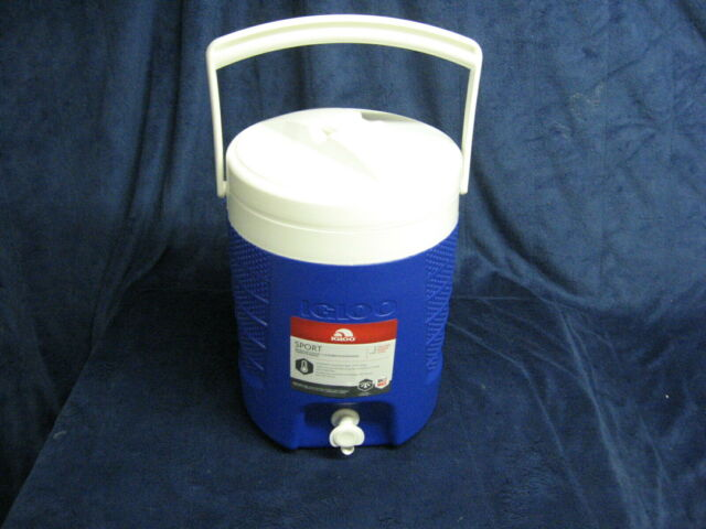 Blue Igloo Sport 2-Gallon with Hooks Coolers