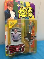 Mcfarlane Toys Austin Powers Series 1 dirty- Mini Me - Yellowed Bubble