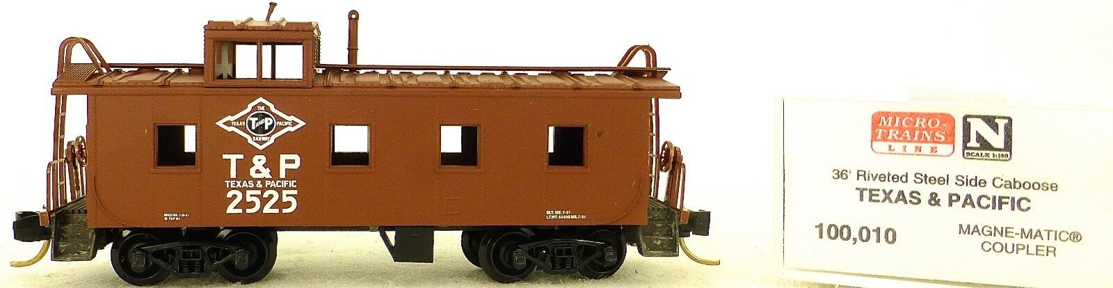 Micro Trains Line 100,010 Texas & Pacific 36' Riveted Steel Caboose 1:160  F Å
