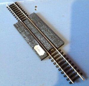 S175-rails-droits-central-passage-a-niveau-N-677-ech-Ho-jouef