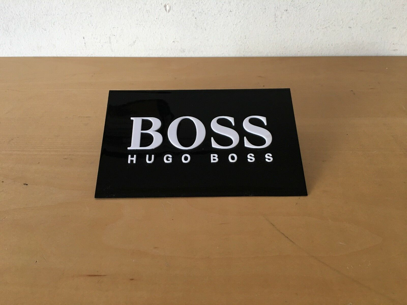 Used - Placa Exposant Plaque HUGO BOSS - - - Watches Relojes - 16 5 x 9 5 x 4 cm f1bfc1