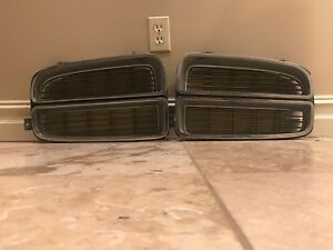 1972-Pontiac-Lemans-left-and-right-grills-grilles-bezels-GTO-GT-37-T-37-455-HO