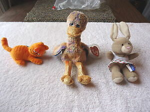 Lot-Of-3-Collectible-Stuffed-Toys-1-Dinky-Beanie-Baby-1-Garfield-1-Bunny-034-GREAT