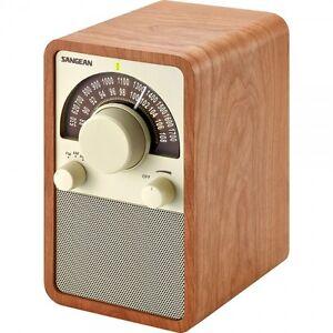 Sangean-FM-AM-Radio-Bluetooth-Walnut-Wooden-Cabinet-Receiver-WR15BT-Brand-New