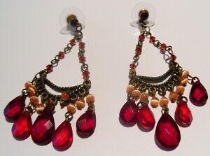 Bijou Vintage Boucles D'oreilles Percées Rétro Rouge Perle Nacré Rosé 1672 Marchandises De Haute Qualité