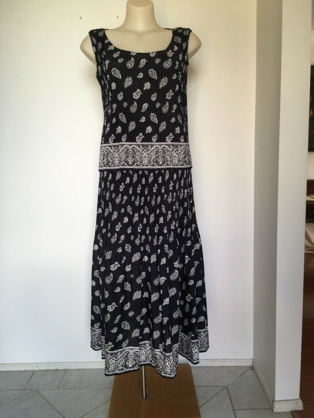 6e8f95c46f6 Issey Miyake Top Skirt Dress Navy paisley design M L Size Cream ...
