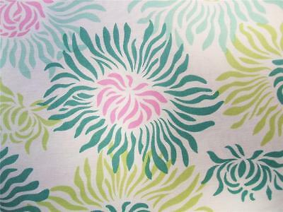 """Freshcut Graphic Mums H. Bailey Flowers Westminster Fabric 24"""" REMNANT"""