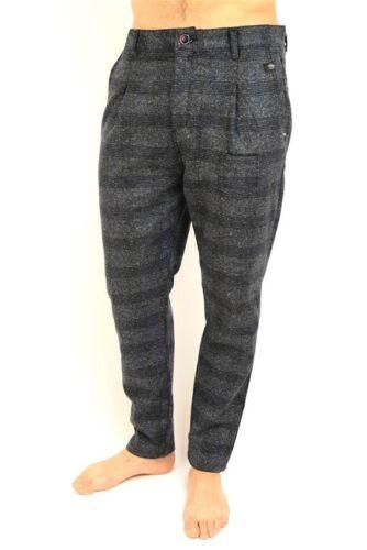 pantalone uomo  largo in gamba stretto in fondo disegno a quadri in lana cotone