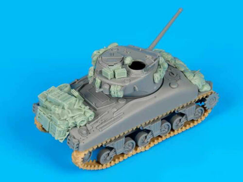 1//72 Resin US M4A1 Stowage Unassembled Unpainted WK094