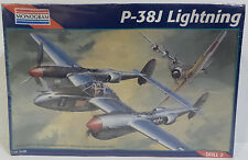 AVIATION : LIGHTNING P-38J LIGHTNING 1/72 SCALE MODEL KIT MADE BY MONOGRAM
