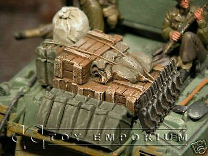 RETIRED  Build-a-Rama 1 32 Scale WWII Deluxe Hand Painted Tank Stowage Set