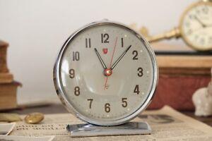 Vintage-Chinese-Wind-Up-Mechanical-Alarm-Clock-Diamond-Large-Metal-Desk-Clock