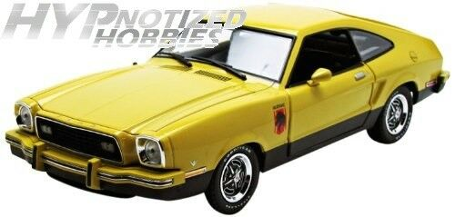 GREENLIGHT 1 18 1976 FORD MUSTANG II STALLION  DIE-CAST YELLOW 12889