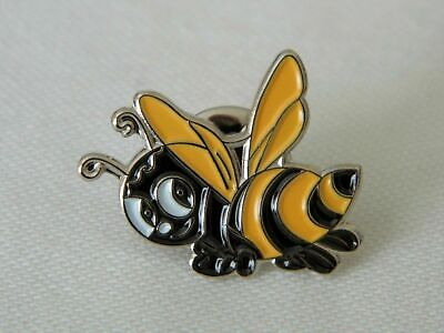 Bumble Busy Bee Honeycomb Insect Fly Metal Enamel Lapel Pin Badge Brooch