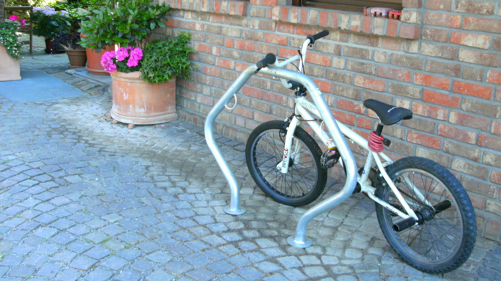 1st supporto bicicletta anlehnparker absperrbügel DISSUASORE PARCHEGGIO montanti parcheggiare BIKE