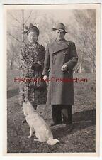 (F12498) Orig. Foto Paar mit Hund spazieren, Leipzig 1951