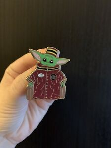 Baby-Yoda-The-Child-Fantasy-Pin-HTH-Tower-Of-Terror-Hotel-Bellhop-Star-Wars
