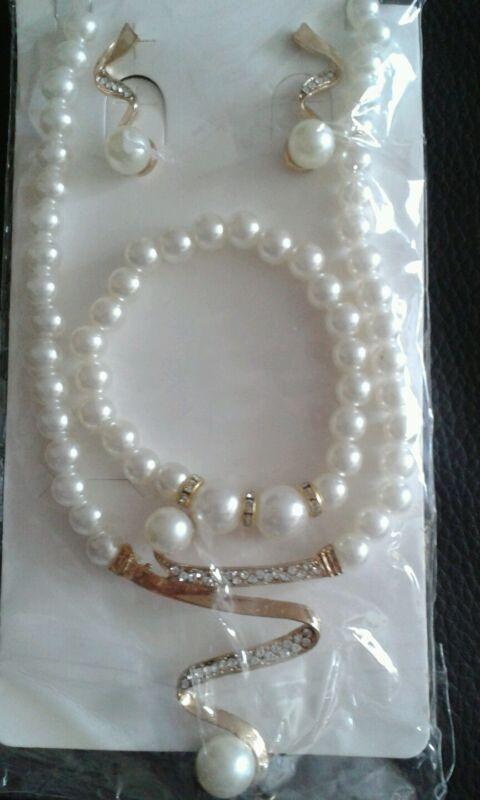 Faux Pearl Necklace, Bracelet & Earrings ***new***