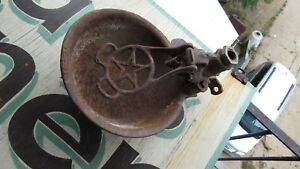 OLD-STARLINE-COW-DRINKING-BOWL-PRIMITIVE-ANTIQUE-CAST-IRON-FARM-BARN-WATER-TOOL