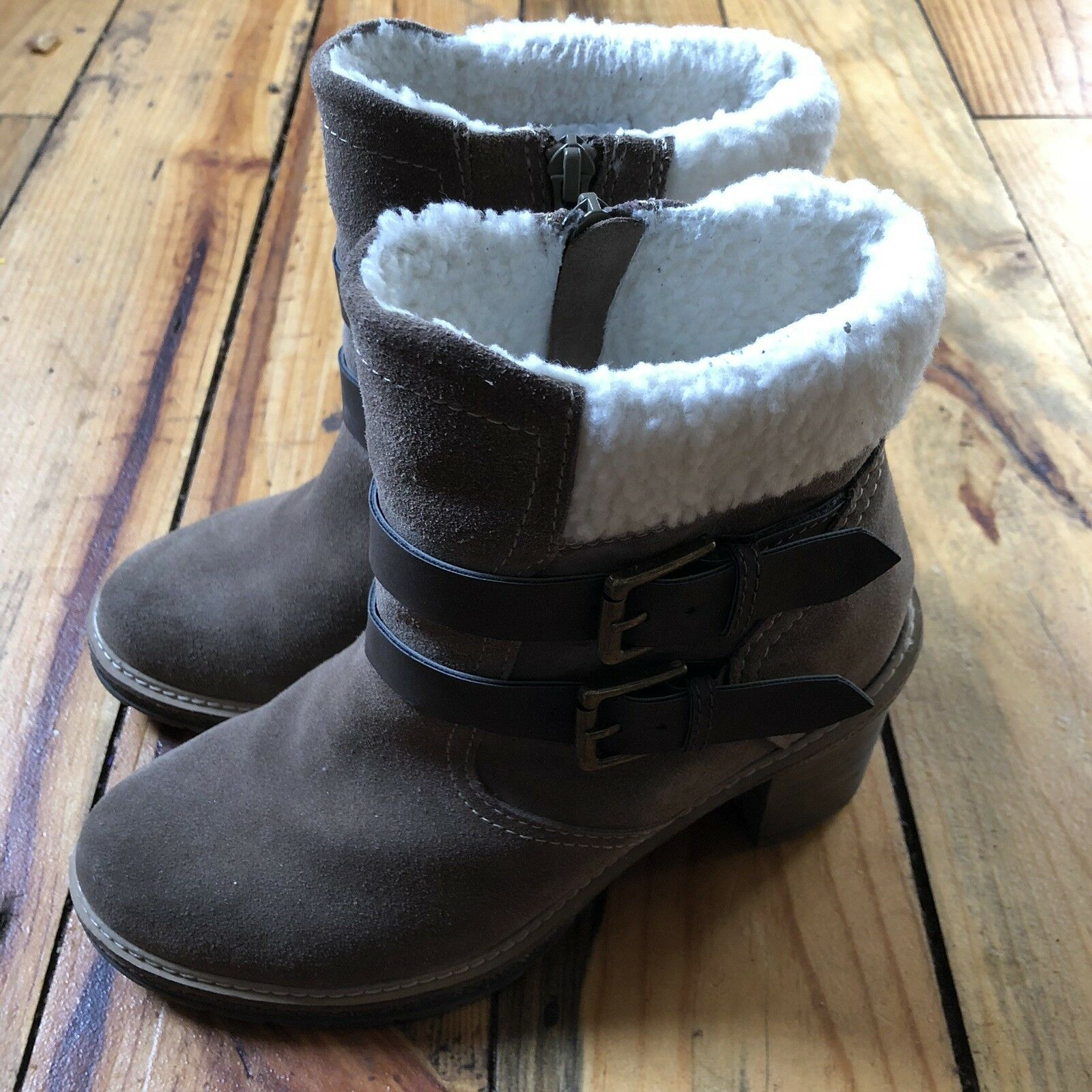 White Mountain Joker Taupe Brown Suede Ankle Bootie 7 7M Sherpa Boots Heels