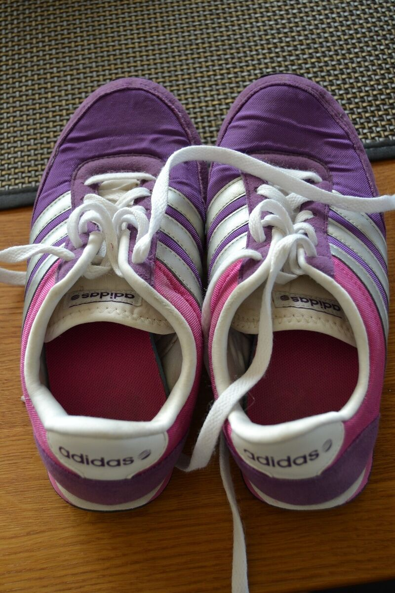 57a2137b8339 Sneakers