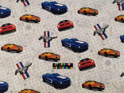 1//4 yardas a 1 yardas-Fuera de imprenta /& extremadamente rara! Ford Mustang De Tela De Algodón