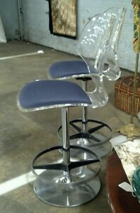1960s Mid Century Modern Vintage Curved Lucite Chair Bar